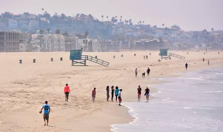 venice-beach-half-moon-bay-california beach