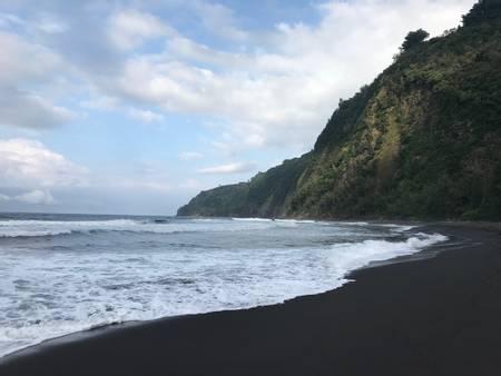 waipio-beach-kukuihaele-hawaii beach