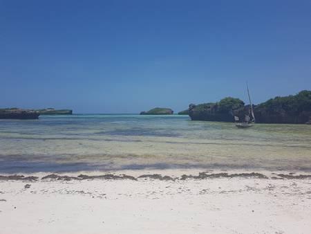watamu-mombasa beach