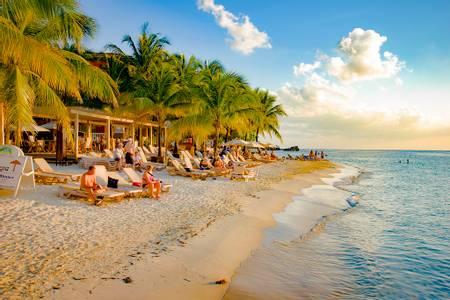 west-bay-beach-west-bay-bay-islands-department beach