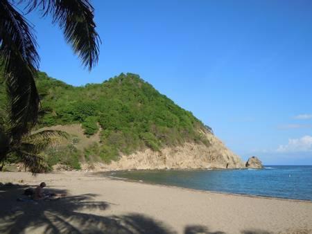 anse-du-figuier-terre-de-haut-basse-terre beach