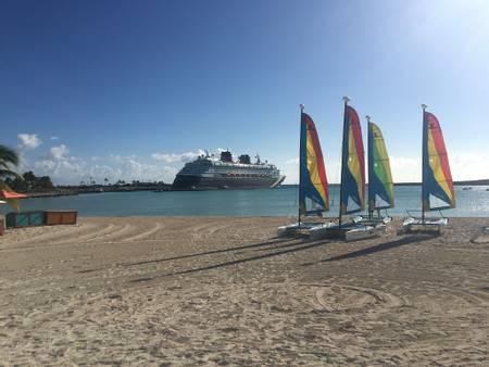 boat-beach-castaway-cay-south-abaco beach