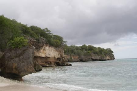 boca-hulu-santa-cruz-curacao beach