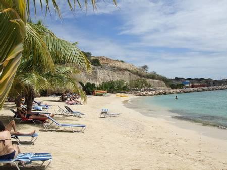 blue-bay-beach-sint-michiel-curacao beach
