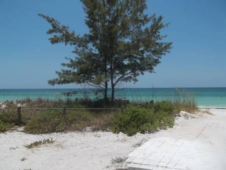bradenton-beach-anna-maria-florida beach
