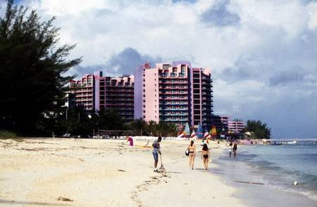cable-beach-nassau-new-providence beach