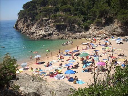 cala-pola-la-pola-i-giverola-catalunya beach