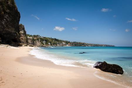dreamland-beach-pecatu-bali beach
