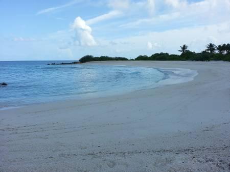 finolhu-baa-atoll beach