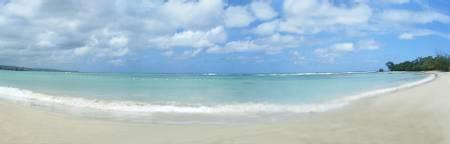 flavours-beach-runaway-bay beach