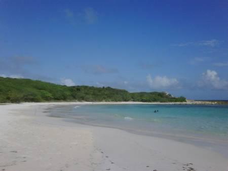 half-moon-bay-freetown-saint-philip beach