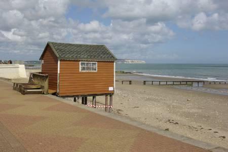 hope-beach-shanklin-england beach