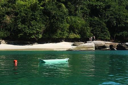 ilha-do-pelado-paraty-rio-de-janeiro beach