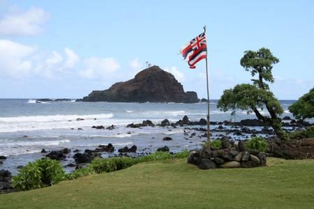 koki-beach-hanalei-hawaii beach