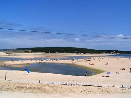 lagoa-de-albufeira-sesimbra-%C3%A1rea-metropolitana-de-lisboa beach