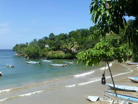 las-cuevas-bay-las-cuevas-san-juan-laventille-regional-corporation beach