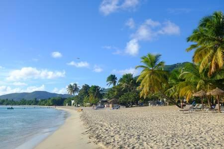 lindberg-beach-charlotte-amalie-west-st.-thomas beach