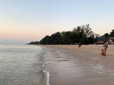 long-beach-koh-lanta beach