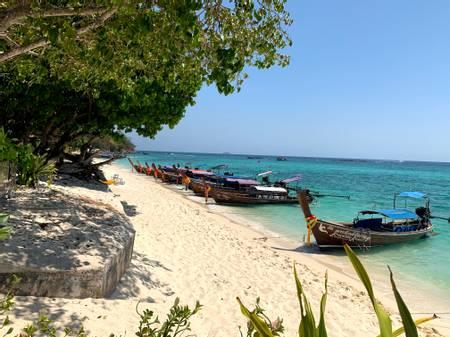 long-beach-koh-phi-phi beach