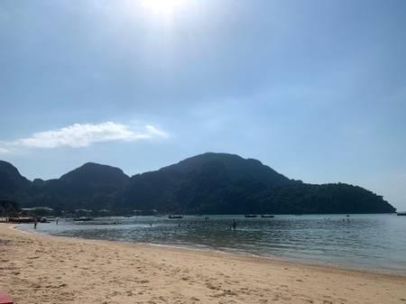 loh-dalum-beach-koh-phi-phi beach
