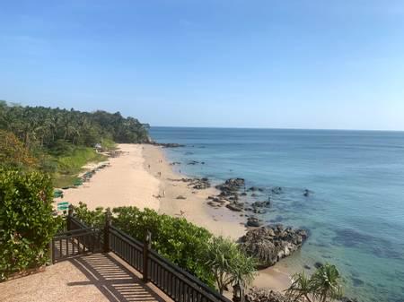 nui-beach-koh-lanta beach