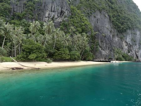 pinagbuyutan-palawan beach