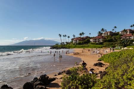 polo-beach-spreckelsville-hawaii beach