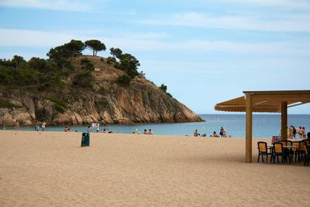 platja-de-castell-palamos-catalonia beach