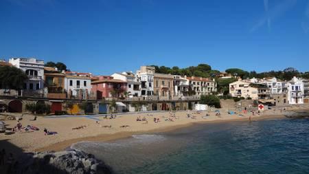 platja-de-la-llumenera-roses-catalonia beach