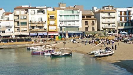 platja-de-les-barques-l'escala-catalonia beach