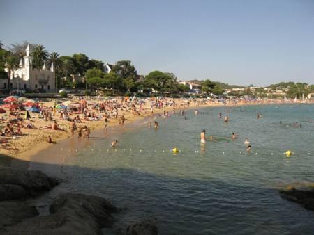platja-de-sant-pol-sant-feliu-de-guixols-catalunya beach