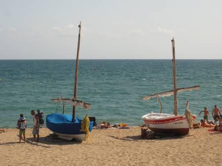platja-de-sant-pol-sant-pol-de-mar-catalunya beach