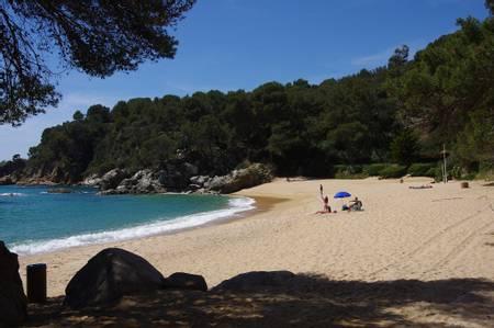 platja-de-treumal-lloret-de-mar-catalonia beach