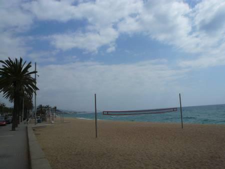 platja-del-pont-d'en-botifarreta-badalona-catalonia beach