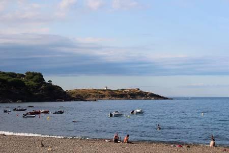 platja-del-port-el-port-de-la-selva-catalonia beach