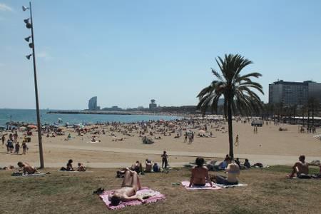 platja-del-somorrostro-barcelona beach