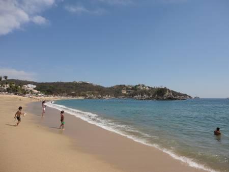 playa-tangolunda-tangolunda-oaxaca beach