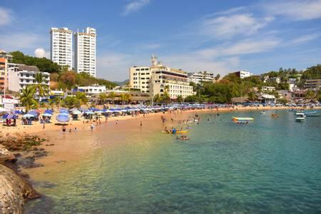 playa-caleta-acapulco-guerrero beach