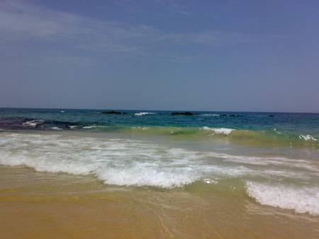 playa-caracolito-higuerote beach
