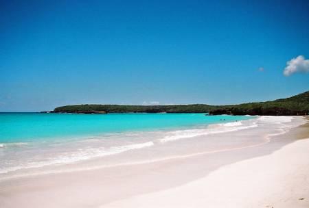 playa-caracas-puerto-ferro-vieques beach