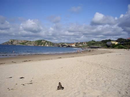 playa-de-comillas-comillas-cantabria beach