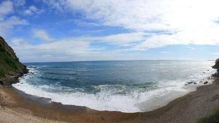playa-de-la-atalaya-ribadesella-asturias beach