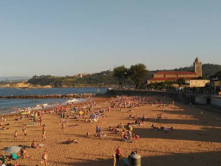 playa-de-luanco-luanco-asturias beach