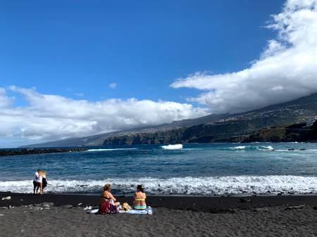 playa-de-martianez-santa-cruz-de-tenerife beach