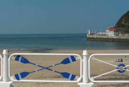 playa-de-santa-marina-ribadesella-asturias beach