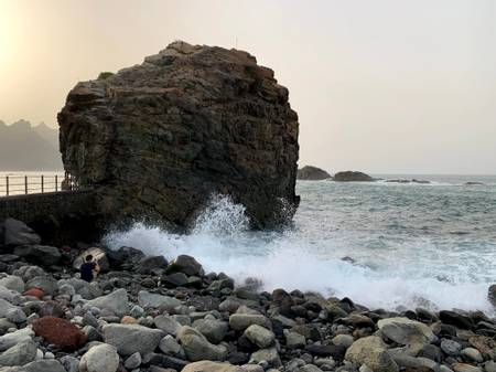 playa-del-roque-de-las-bodegas-santa-cruz-de-tenerife beach