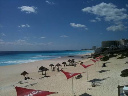 playa-delfines-cancun-quintana-roo beach
