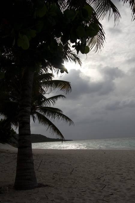playa-esmeralda-guardalavaca-holguin beach