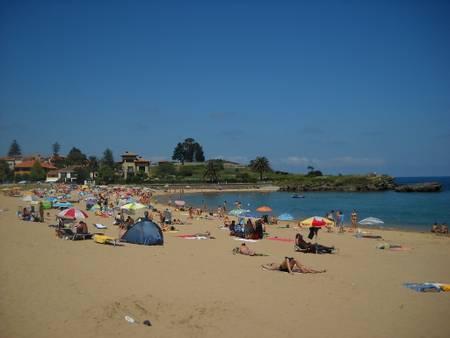 playa-la-isla-el-pueblo-asturias beach