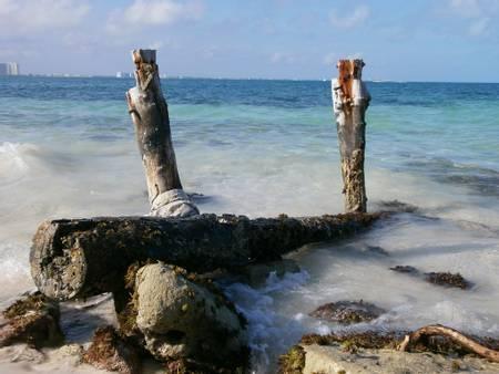 playa-langosta-cancun-quintana-roo beach